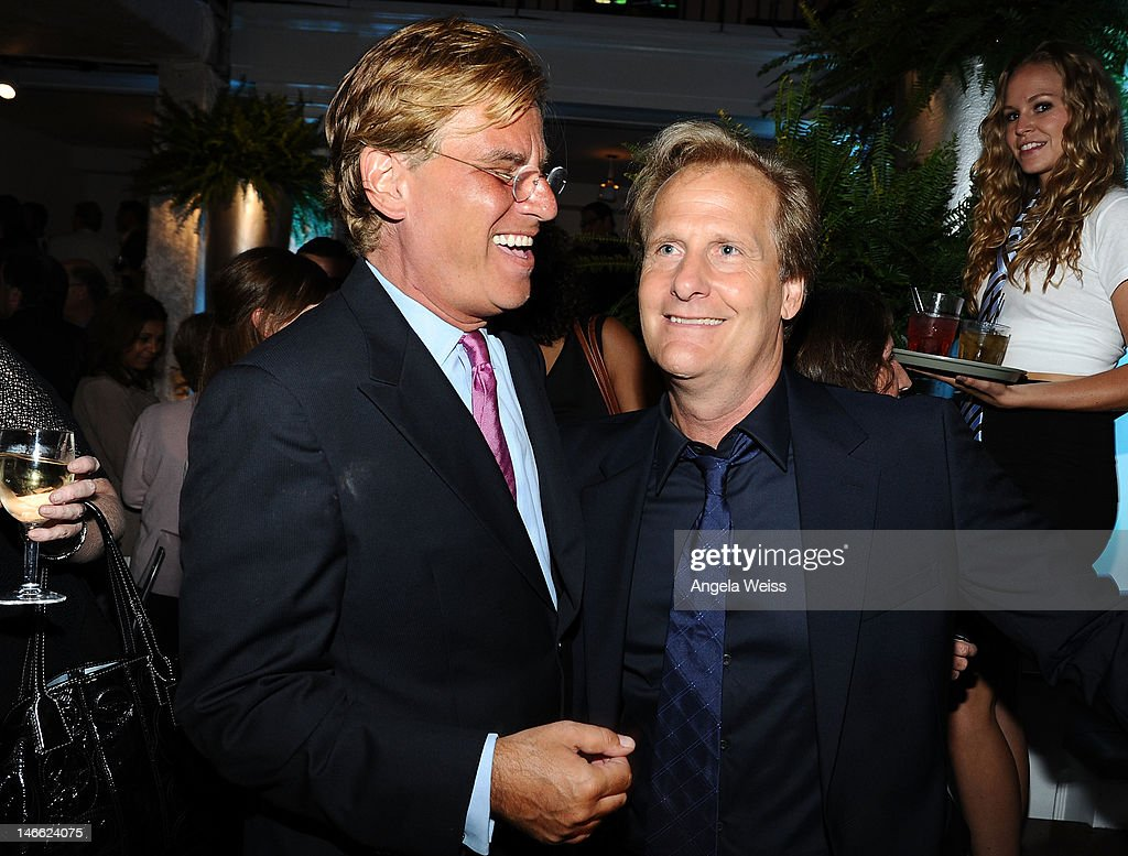 Writer <a gi-track='captionPersonalityLinkClicked' href=/galleries/search?phrase=Aaron+Sorkin&family=editorial&specificpeople=673535 ng-click='$event.stopPropagation()'>Aaron Sorkin</a> and actor Jeff Daniels attend the after party for HBO's New Series 'Newsroom' Los Angeles Premiere at Boulevard3 on June 20, 2012 in Hollywood, California.