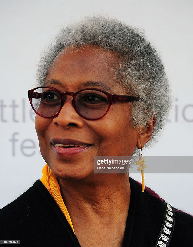alice walker essay on beauty thedrudgereort web fc com alice walker essay on beauty
