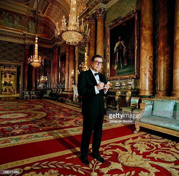 Writer Bob Colacello is photographed for Vanity Fair Magazine on June 21 2003 at Buckingham Palace in London England PUBLISHED IN JONATHAN BECKER 30...