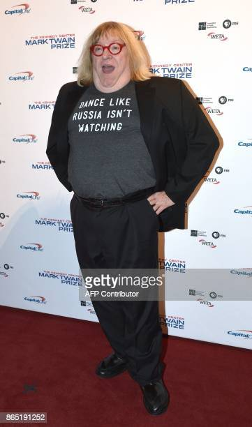 Writer Bruce Vilanch arrives for the 20th Annual Mark Twain Prize for American Humor honoring former talk show host David Letterman at the Kennedy...