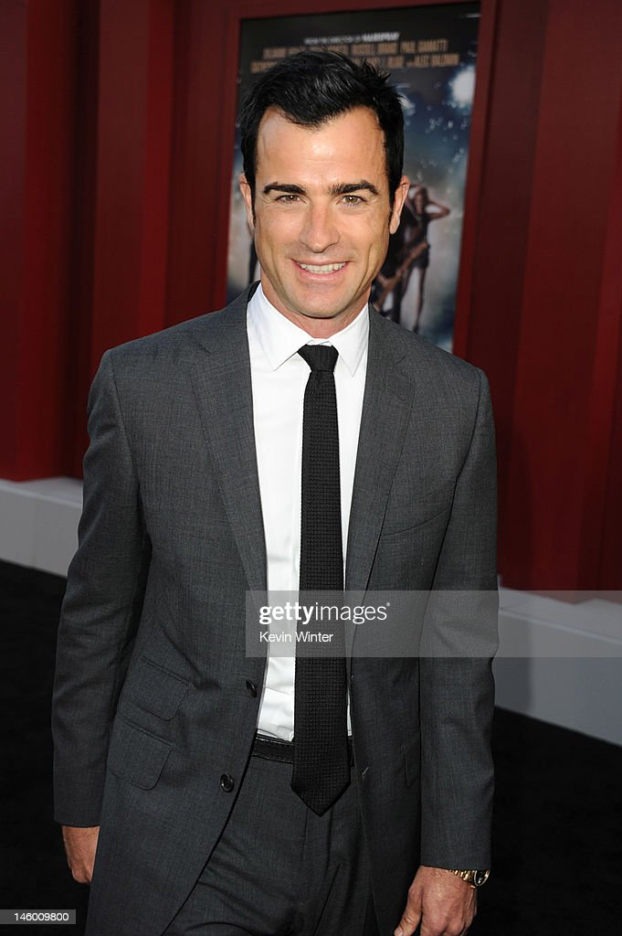 Writer <a gi-track='captionPersonalityLinkClicked' href=/galleries/search?phrase=Justin+Theroux&family=editorial&specificpeople=240634 ng-click='$event.stopPropagation()'>Justin Theroux</a> arrives at the premiere of Warner Bros. Pictures' 'Rock of Ages' at Grauman's Chinese Theatre on June 8, 2012 in Hollywood, California.