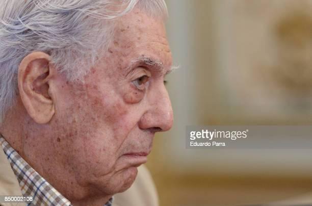 Writer Mario Vargas Llosa attends the 'Conversacion en Princeton' press conference at Casa de America on September 20 2017 in Madrid Spain