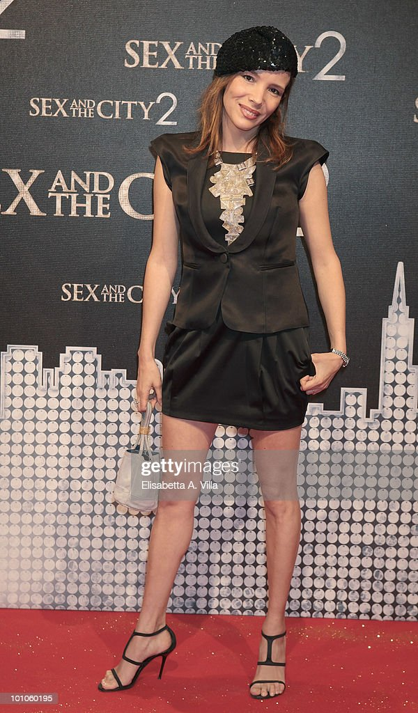 Writer Simona Sparaco attends 'Sex & The City 2' premiere at Warner Moderno Cinema on May 27, 2010 in Rome, Italy.