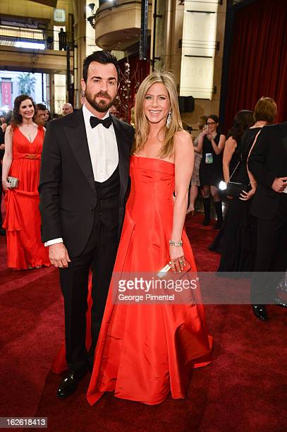 Writer/Actor Justin Theroux and Actress Jennifer Aniston arrive at the Oscars at Hollywood Highland Center on February 24 2013 in Hollywood...