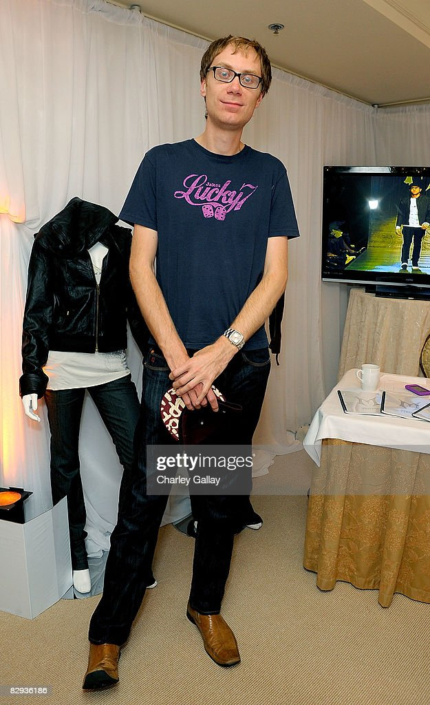 Writer/producer Stephen Merchant poses with the Monarchy Collection display during the HBO Luxury Lounge in honor of the 60th annual Primetime Emmy Awards featuring the In Style diamond suite, held at the Four Seasons Hotel on September 21, 2008 in Beverly Hills, California.
