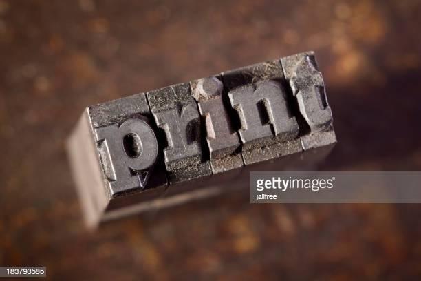 Imprimé écrit rétro de typographie sur fond en bois