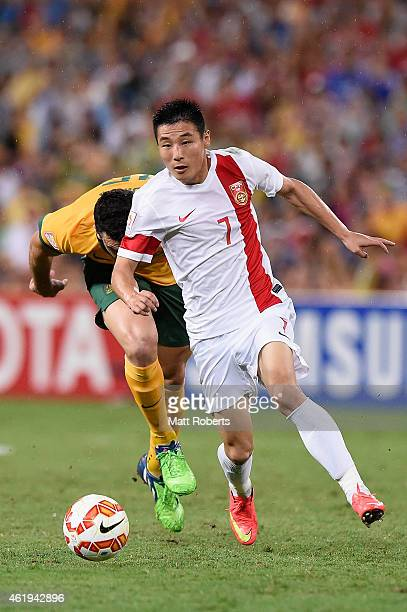Wu Lei of China PR makes a break during the 2015 Asian Cup match between China PR and the Australian Socceroos at Suncorp Stadium on January 22 2015...