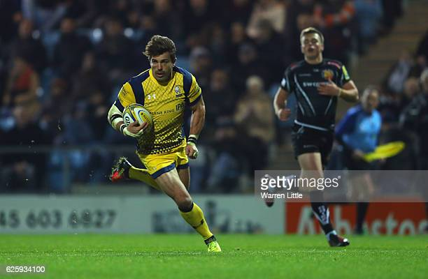 Wynand Oivier of Worcester Warriors scores a try during the Aviva Premiership match between Exeter Chiefs and Worcester Warriors at Sandy Park on...