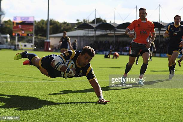 Wynard Olivier of Worcester scores the opening try during the Aviva Premiership match between Worcester Warriors and Newcastle Falcons at Sixways...