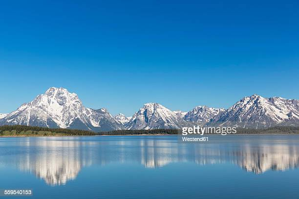 USA, Wyoming, Grand Teton National Park, Jackson Lake with Teton Range, Mount Moran