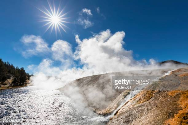 USA, Wyoming, Yellowstone National Park, Midway Geyser Basin, Firehole River