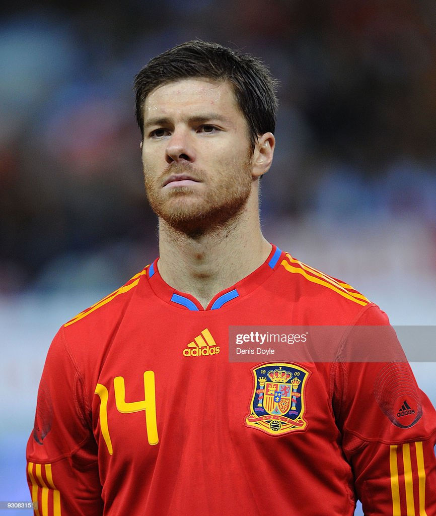 Xavi Alonso of Spain lines-up before the International friendly match between Argentina and Spain at the Vicente Calderon stadium on November 14, 2009 in Madrid, Spain.