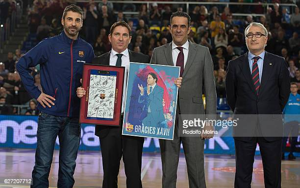 Xavi Pascual Head Coach of Panathinaikos Superfoods Athens receives from Juan Carlos Navarro #11 of FC Barcelona Lassa a gift before the 2016/2017...