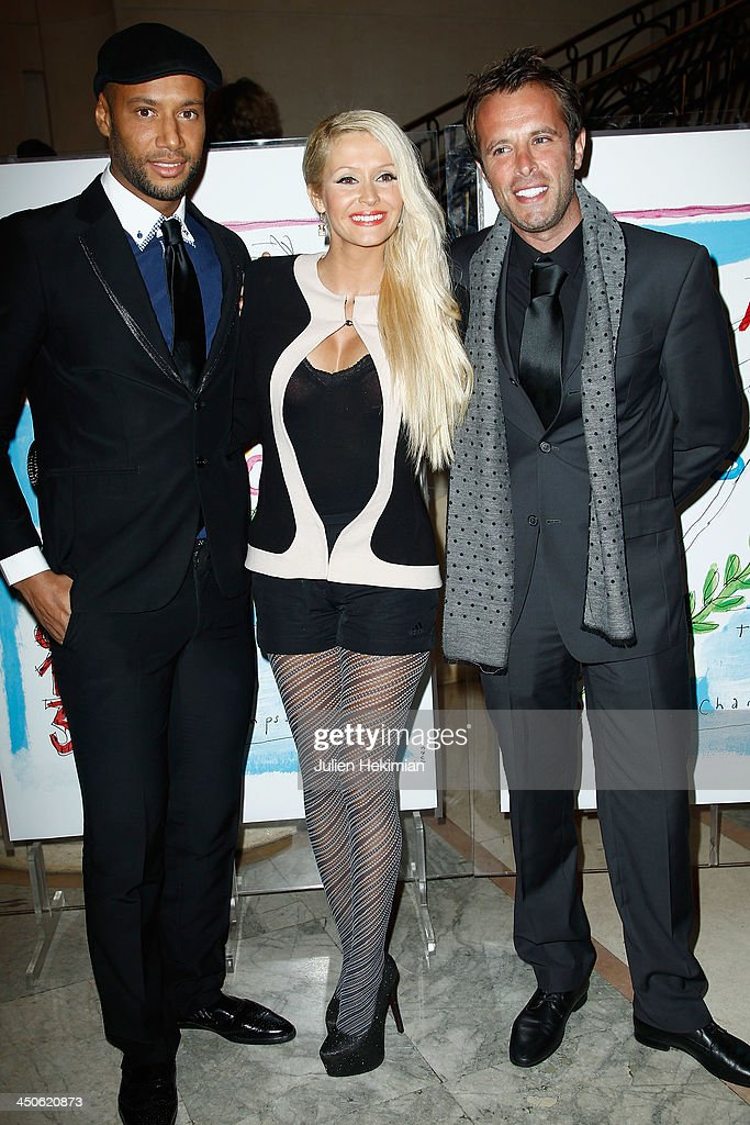 Xavier Delarue, Tatiana Delarue and guest attend the 'Gala de l'Espoir' hosts by the Ligue Contre Le Cancer at Theatre des Champs-Elysees on November 19, 2013 in Paris, France.