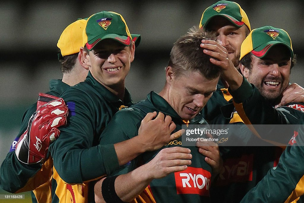 <a gi-track='captionPersonalityLinkClicked' href=/galleries/search?phrase=Xavier+Doherty&family=editorial&specificpeople=2098624 ng-click='$event.stopPropagation()'>Xavier Doherty</a> of the Tigers celebrates wthe run out of James Pattinson of the Bushrangers during the Ryobi One Day Cup match between the Tasmania Tigers and the Victoria Bushrangers at Bellerive Oval on November 2, 2011 in Hobart, Australia.