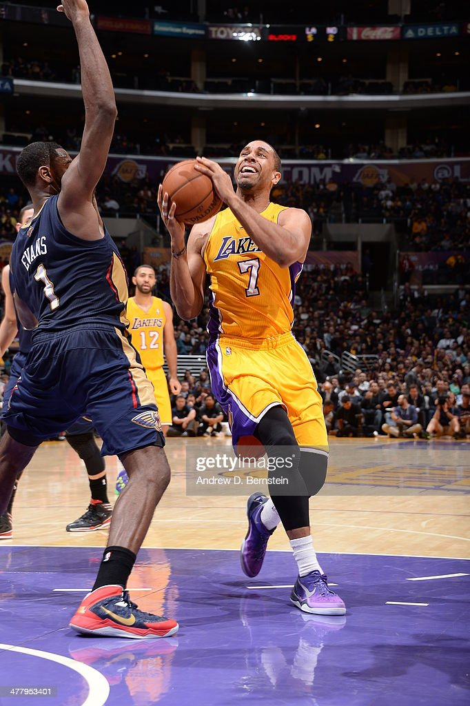 Xavier Henry #7 of the Los Angeles Lakers handles the ball against the New Orleans Pelicans at Staples Center on March 4, 2014 in Los Angeles, California.