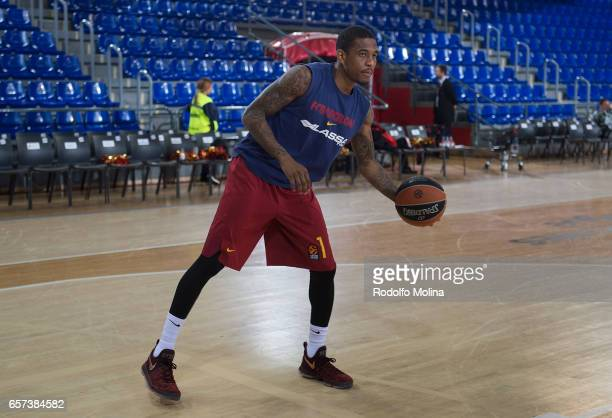 Xavier Munford #1 of FC Barcelona Lassa warm up prior the 2016/2017 Turkish Airlines EuroLeague Regular Season Round 28 game between FC Barcelona...