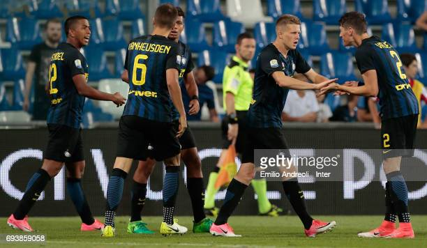 Xian Ghislaine Emmers of FC Internazionale Milano celebrates with his teammates after scoring the opening goal during the Primavera TIM Playoffs...