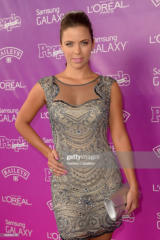 <a gi-track='captionPersonalityLinkClicked' href=/galleries/search?phrase=Ximena+Duque&family=editorial&specificpeople=4463075 ng-click='$event.stopPropagation()'>Ximena Duque</a> attends People En Espanols Las 25 Mujeres Mas Poderosas at Coral Gables Country Club on October 24, 2013 in Coral Gables, Florida.