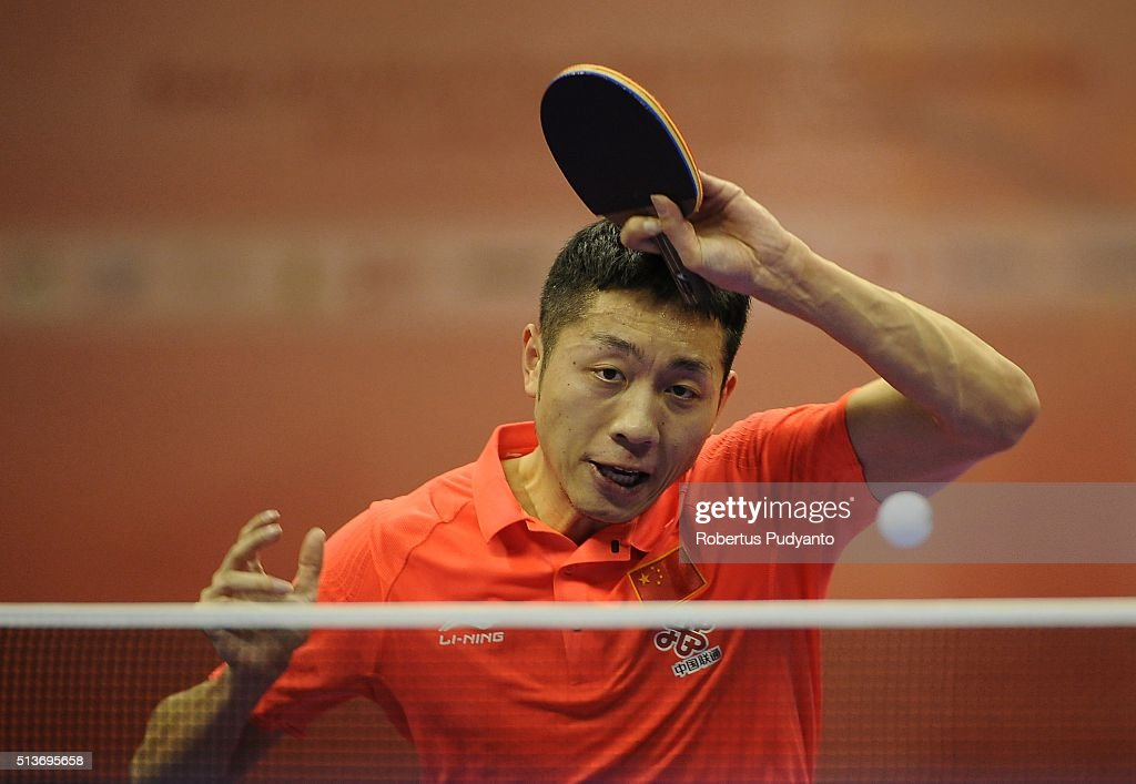 <a gi-track='captionPersonalityLinkClicked' href=/galleries/search?phrase=Xu+Xin+-+Table+Tennis+Player&family=editorial&specificpeople=15781496 ng-click='$event.stopPropagation()'>Xu Xin</a> of China competes against Jon Persson of Sweden during the 2016 World Table Tennis Championship Men's Team Division quarter-final match at Malawati Stadium on March 4, 2016 in Shah Alam, Malaysia.