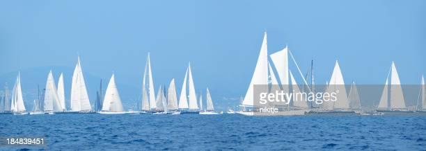 Yachten in den Segel- Wettbewerb