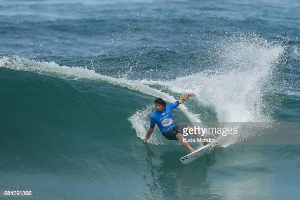 Yago Dora of Brazil surfs during the quarterfinals of the Oi Rio Pro 2017 at Itauna Beach on May 17 2017 in Saquarema Brazil