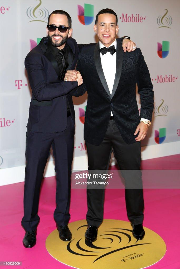 Yandel (L) and Daddy Yankee attend Premio Lo Nuestro a la Musica Latina 2014 at American Airlines Arena on February 20, 2014 in Miami, Florida.