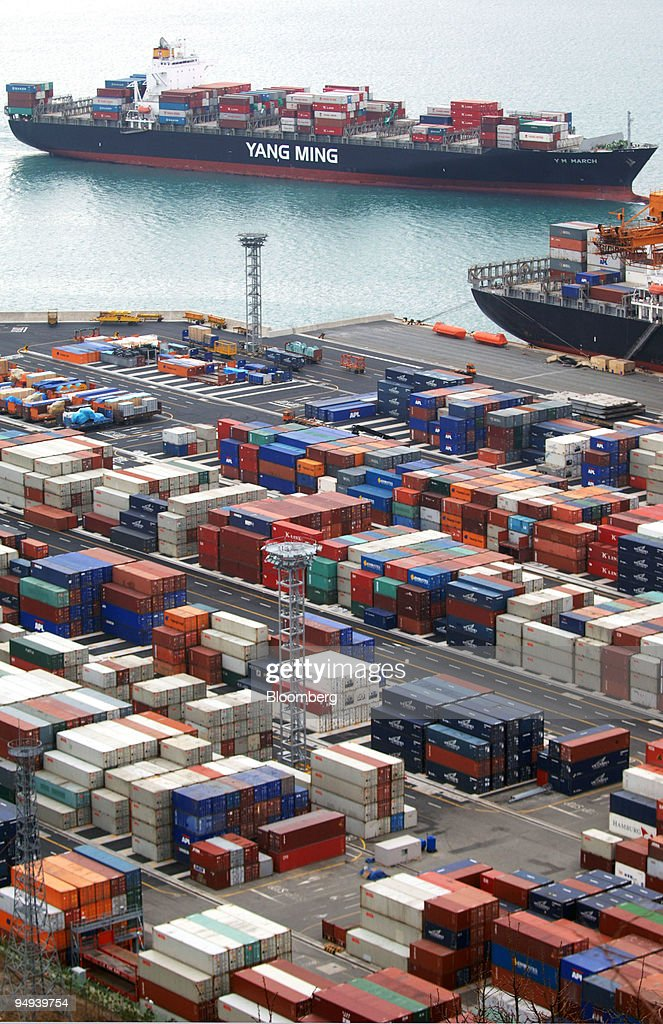Yang Ming Marine Transport Corp cargo ship arrives at the Port of Busan in South Korea on Sunday Feb 15 2009 South Korea's exports tumbled by a...