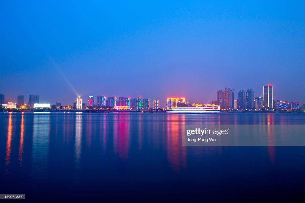 Yangtze river bank at dusk