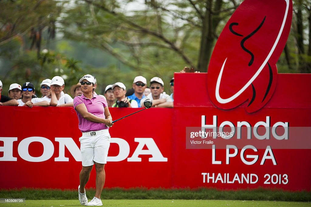 <a gi-track='captionPersonalityLinkClicked' href=/galleries/search?phrase=Yani+Tseng&family=editorial&specificpeople=4682916 ng-click='$event.stopPropagation()'>Yani Tseng</a> of Taiwan tees off on the 18th hole during day four of the Honda LPGA Thailand at Siam Country Club on February 24, 2013 in Chon Buri, Thailand.