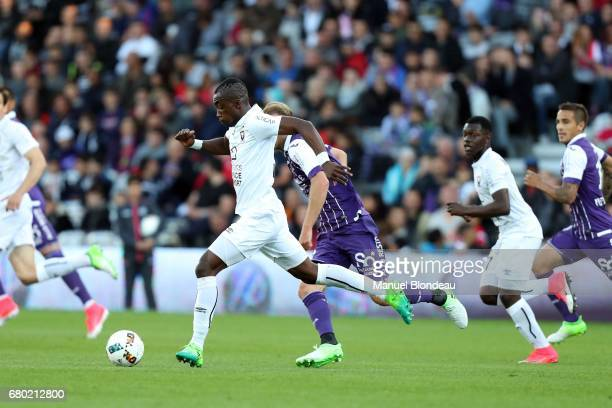 Yann Karamoh of Caen during the Ligue 1 match between Toulouse FC and SM Caen at Stadium Municipal on May 6 2017 in Toulouse France