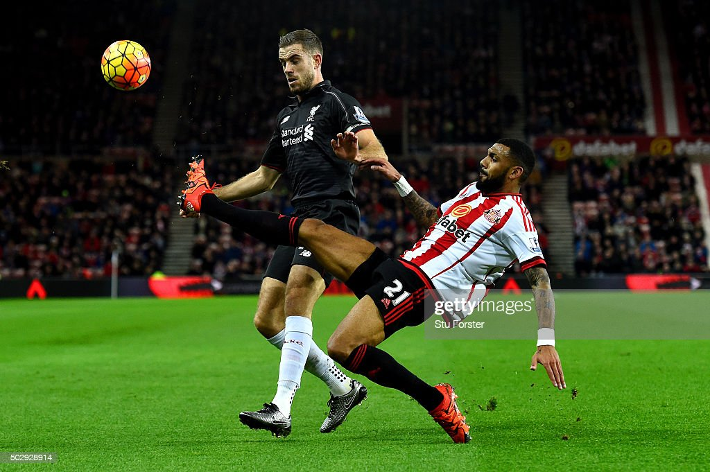 <a gi-track='captionPersonalityLinkClicked' href=/galleries/search?phrase=Yann+M%27Vila&family=editorial&specificpeople=6130765 ng-click='$event.stopPropagation()'>Yann M'Vila</a> of Sunderland battles for the ball with <a gi-track='captionPersonalityLinkClicked' href=/galleries/search?phrase=Jordan+Henderson&family=editorial&specificpeople=4940390 ng-click='$event.stopPropagation()'>Jordan Henderson</a> of Liverpool during the Barclays Premier League match between Sunderland and Liverpool at Stadium of Light on December 30, 2015 in Sunderland, England.