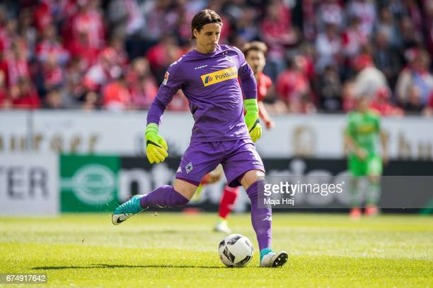 Yann Sommer goalkeeper of Moenchengladbach kicks the ball during the Bundesliga match between 1 FSV Mainz 05 and Borussia Moenchengladbach at Opel...