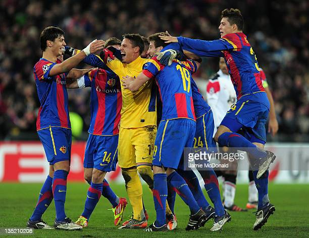 Yann Sommer of Basel and team mates celebrate victory after the UEFA Champions League Group C match between FC Basel 1893 and Manchester United at St...