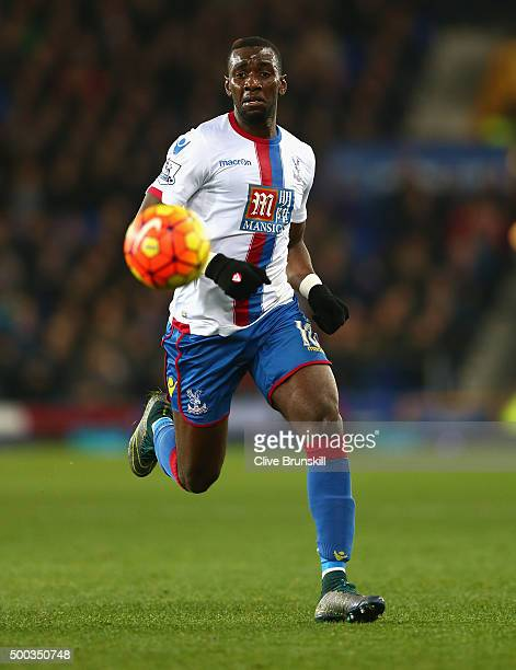 Yannick Bolasie of Crystal Palace in action during the Barclays Premier League match between Everton and Crystal Palace on December 7 2015 in...