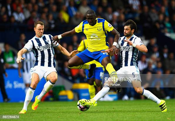 Yannick Bolasie of Everton Jonny Evans of West Bromwich Albion and Claudio Yacob of West Bromwich Albion battle for possession during the Premier...