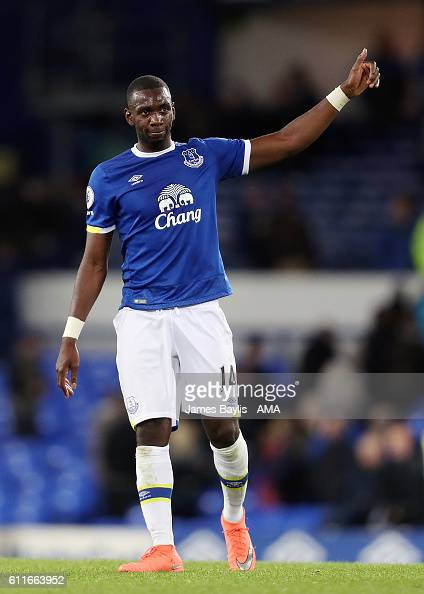 Yannick Bolasie of Everton shows his appreciation to the Crystal Palace supporters after the Premier League match between Everton and Crystal Palace...