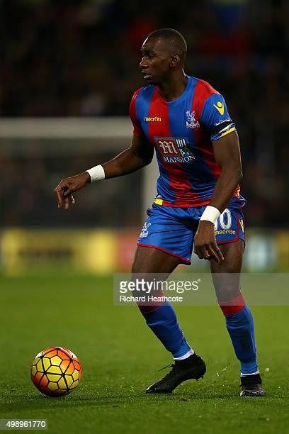 Yannick Bolasie of Palace in action during the Barclays Premier League match between Crystal Palace and Sunderland at Selhurst Park on November 23...
