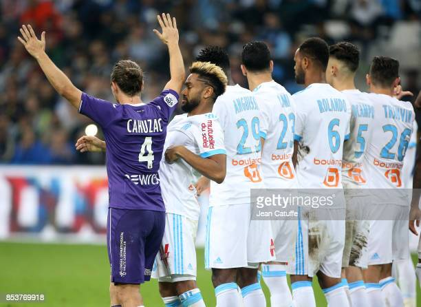 Yannick Cahuzac of Toulouse Jordan Amavi of OM and teammates during the French Ligue 1 match between Olympique de Marseille and Toulouse FC at Stade...