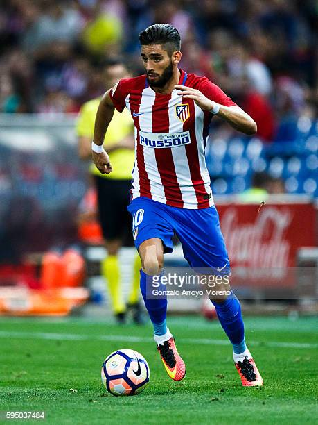 Yannick Carrasco of Atletico de Madrid controls the ball during the La Liga match between Club Atletico de Madrid and Deportivo Alaves at Vicente...