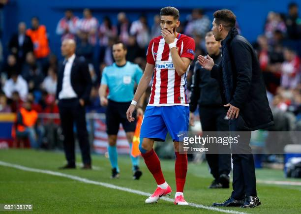 Yannick Carrasco of Atletico Madrid speak with Head coach Diego Simeone of Atletico Madrid during the UEFA Champions League Semi Final second leg...