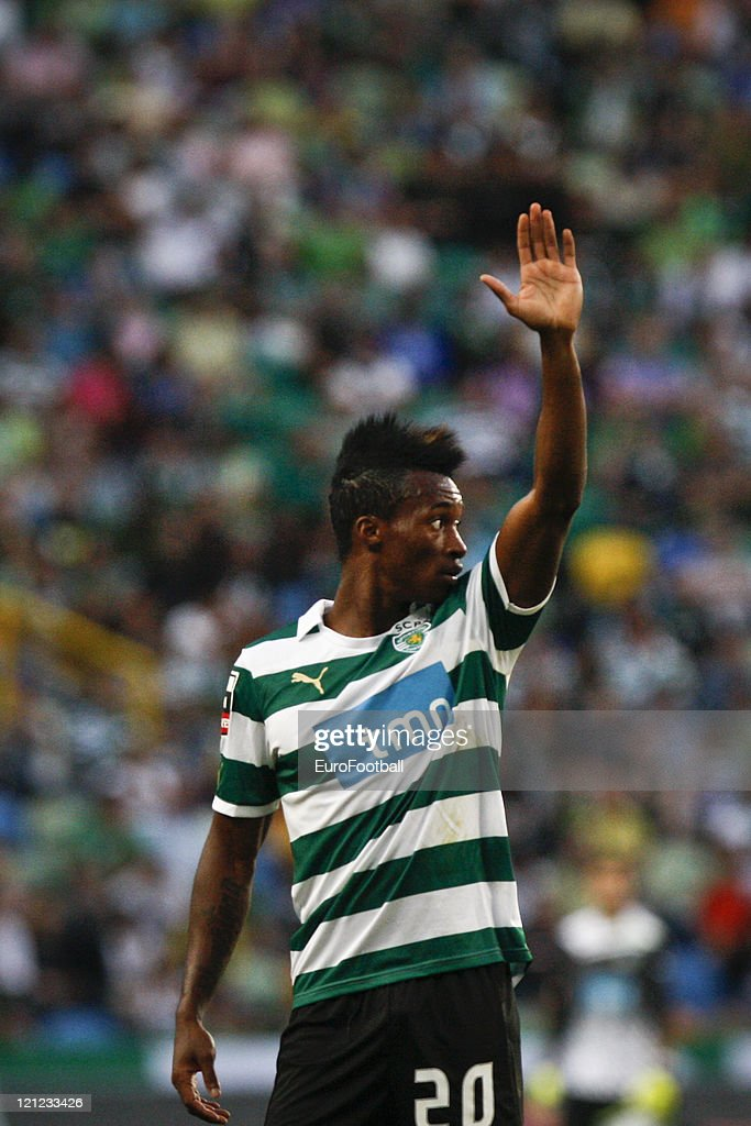 <a gi-track='captionPersonalityLinkClicked' href=/galleries/search?phrase=Yannick+Djalo&family=editorial&specificpeople=3684315 ng-click='$event.stopPropagation()'>Yannick Djalo</a> of Sporting Clube de Portugal in action during the Portuguese Primeira Liga ZON Sagres match between Sporting Lisbon and Olhanense at the Alvalade Stadium on August 13, 2011 in Lisbon,Portugal.