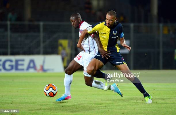 Yannis SALIBUR / Yunis ABDELHAMID Arles Avignon / Clermont 4eme journee de Ligue 2 Photo Dave Winter / Icon Sport