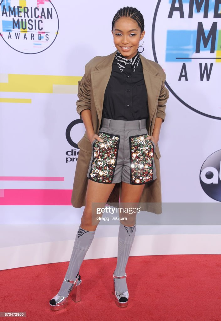 Yara Shahidi arrives at the 2017 American Music Awards at Microsoft Theater on November 19, 2017 in Los Angeles, California.