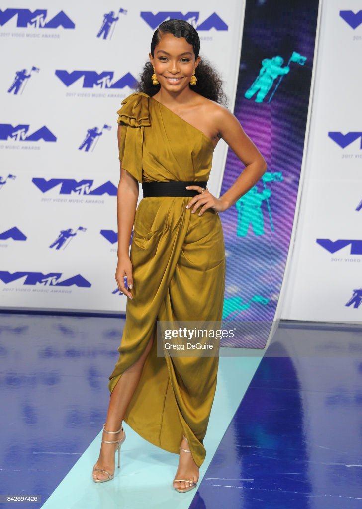 Yara Shahidi arrives at the 2017 MTV Video Music Awards at The Forum on August 27, 2017 in Inglewood, California.