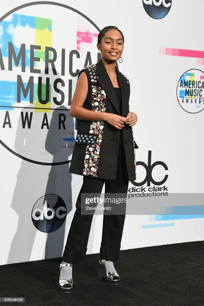 Yara Shahidi poses in the press room during the 2017 American Music Awards at Microsoft Theater on November 19, 2017 in Los Angeles, California.