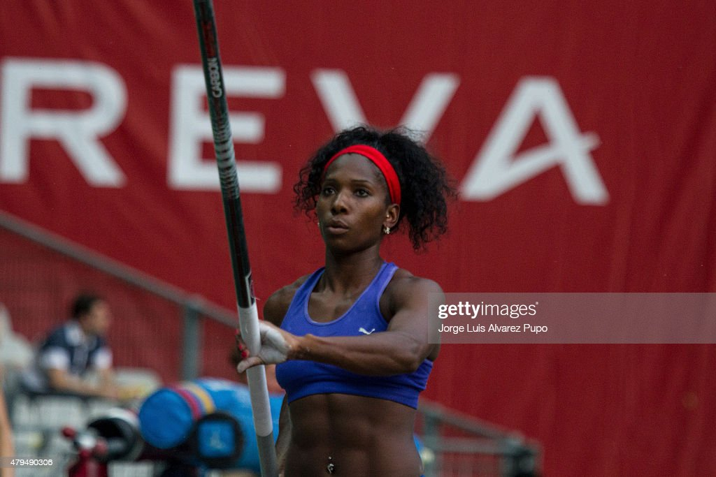 <a gi-track='captionPersonalityLinkClicked' href=/galleries/search?phrase=Yarisley+Silva&family=editorial&specificpeople=4425121 ng-click='$event.stopPropagation()'>Yarisley Silva</a> of Cuba competes in the Womens pole vault during the Meeting Areva - IAAF Diamond League at Stade de France on July 04, 2015 in Paris, France.