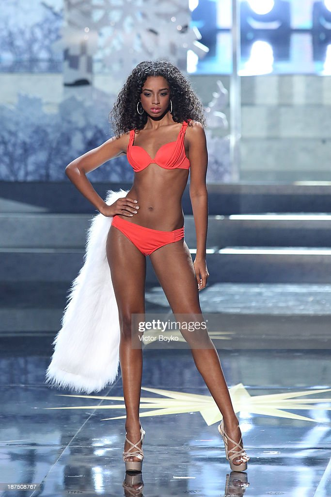 Yaritza Reyes of Dominican Republic walks the stage during the Miss Universe Pageant Competition 2013 on November 9, 2013 in Moscow, Russia.