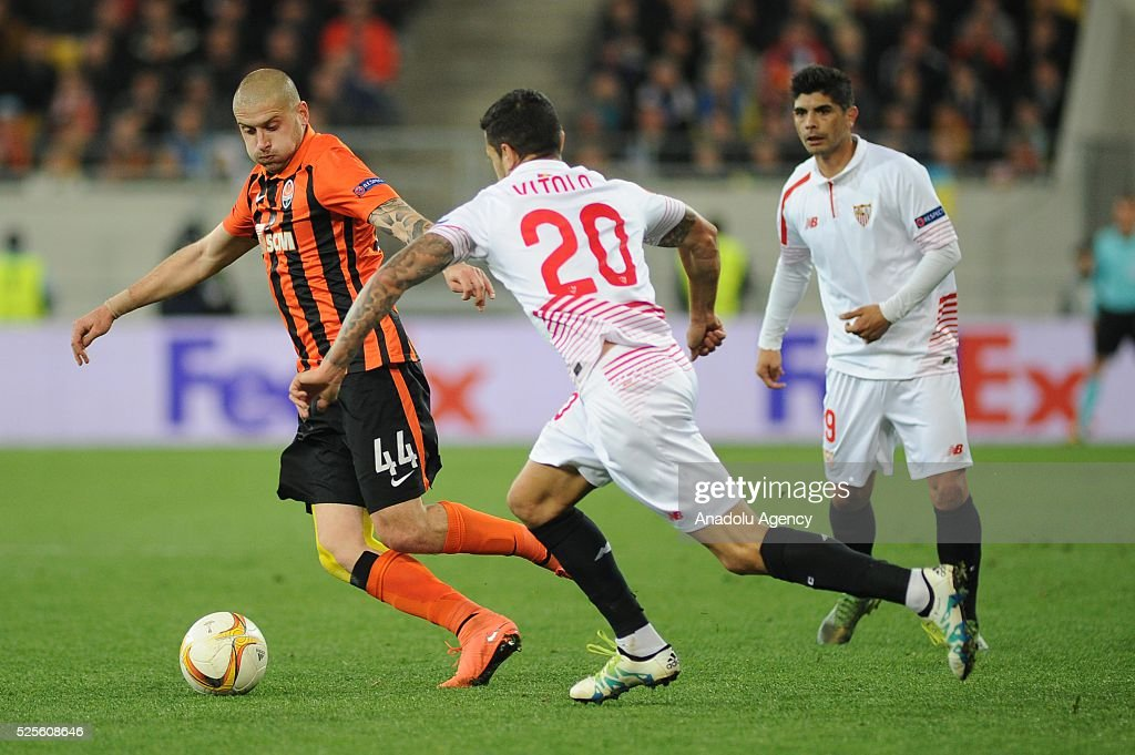 Yaroslav Rakitskiy of Shakhtar Donetsk (L) competes for the ball with Vitolo (R-2) of Sevilla FC during the UEFA Europa League Semi-finals soccer match between Shakhtar Donetsk and Sevilla FC at Lviv Arena stadium on April 28, 2016, in Lviv, Ukraine7
