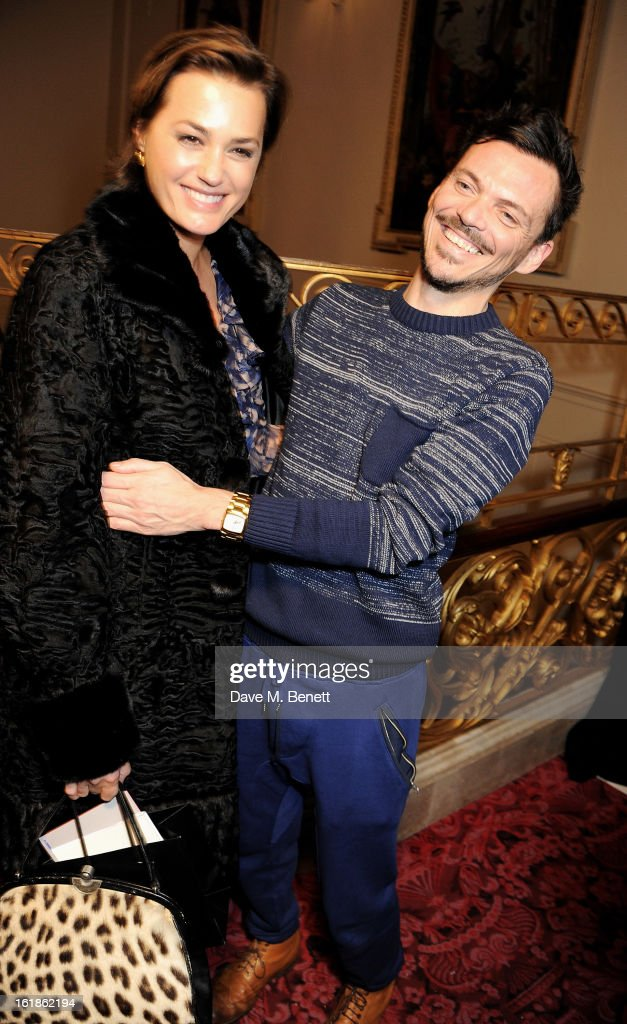 <a gi-track='captionPersonalityLinkClicked' href=/galleries/search?phrase=Yasmin+Le+Bon&family=editorial&specificpeople=161272 ng-click='$event.stopPropagation()'>Yasmin Le Bon</a> (L) and Matthew Williamson pose backstage at the Matthew Williamson show during London Fashion Week Fall/Winter 2013/14 at the Royal Opera House on February 17, 2013 in London, England.